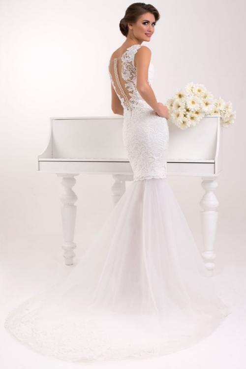 Svadobné šaty s odopínajúcou sa vlečkou 2016