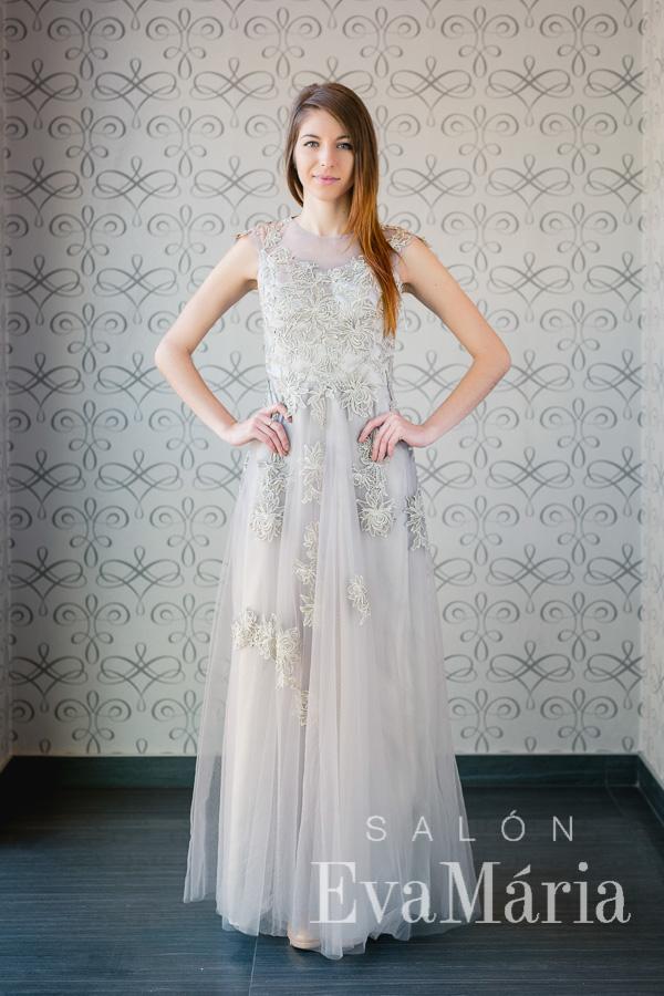 Sivé šaty na ples - trend 2016