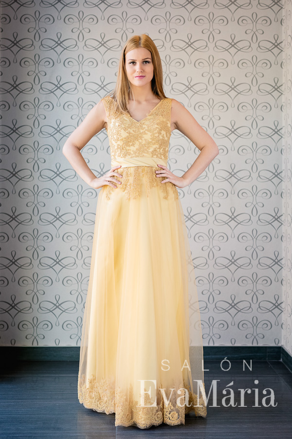 Zlaté šaty na ples s čipkou