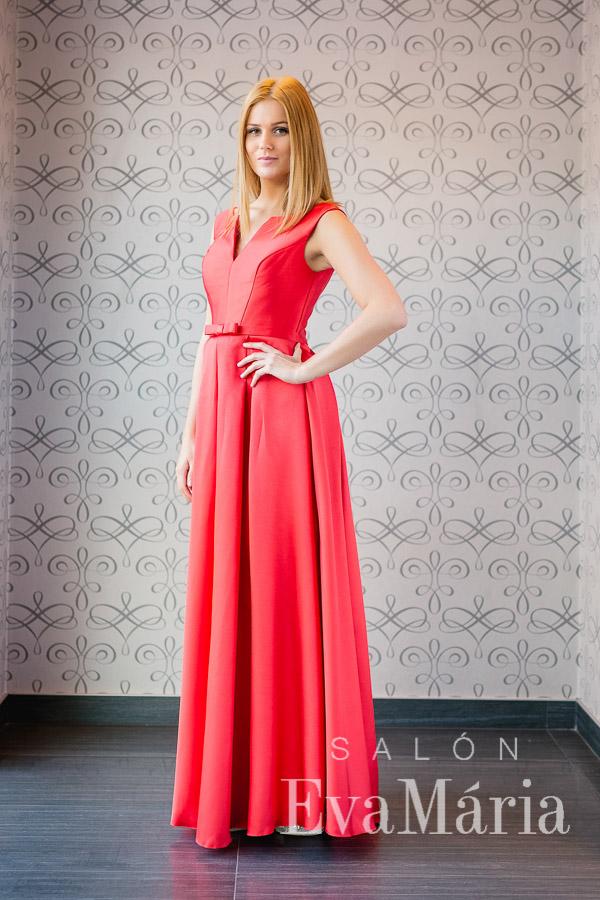 Červené šaty na ples