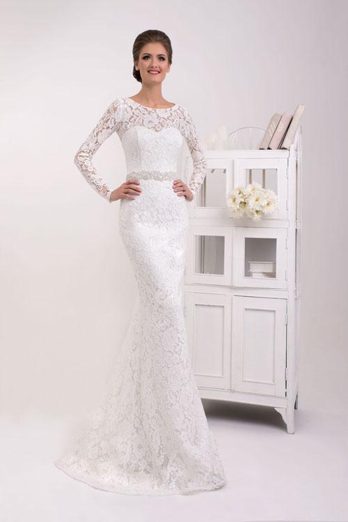Čipkové svadobné šaty s dlhým rukávom obopínajúce telo - trend 2016