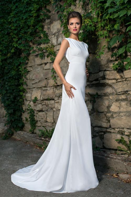 Svadobné šaty zvýrazňujúce krivky tela