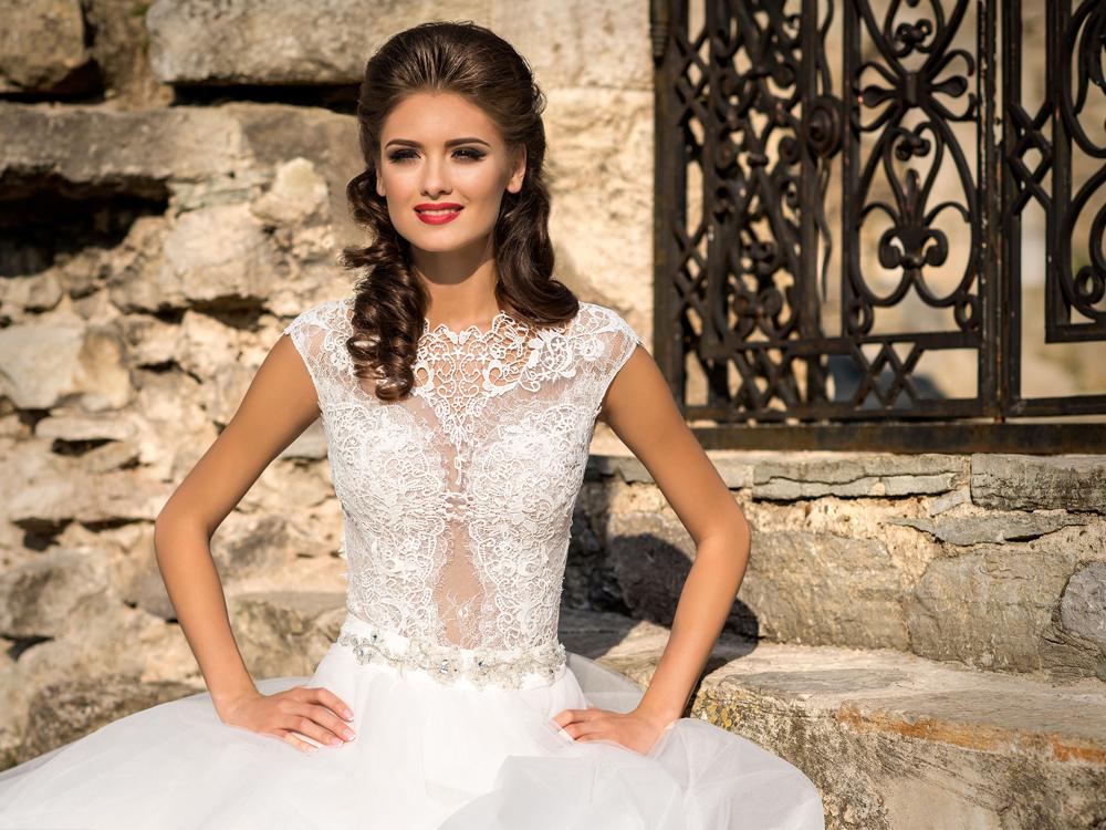 Priesvitné svadobné šaty trend 2016