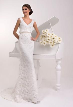 Čipkované svadobné šaty s Večkovým výstrihom