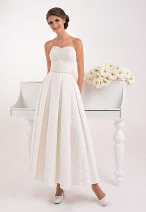 Členkové svadobné šaty so srdiečkovým výstrihom